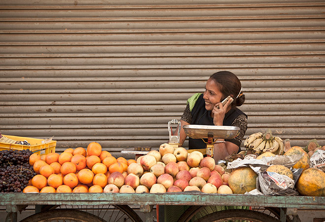 women, gap, ORF, disparity, smartphone, South Asia, gender gap, digital
